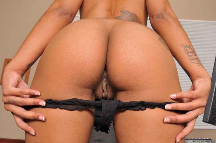 Skin Diamond Ass and Pussy