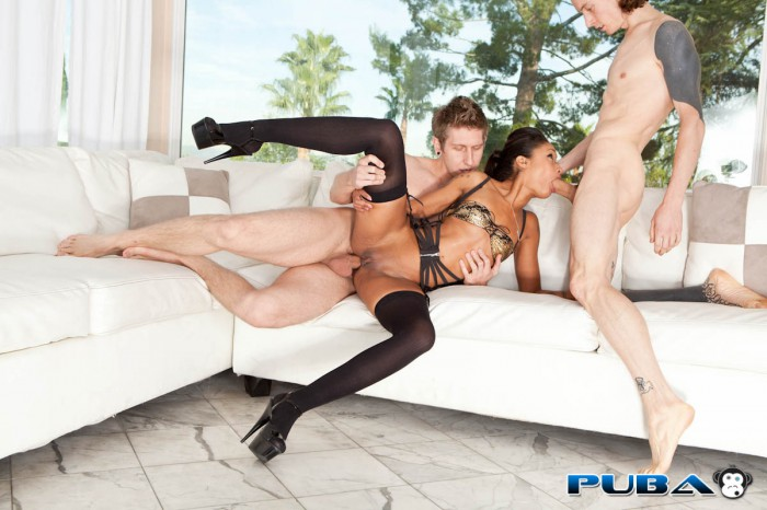 skin diamond threesome